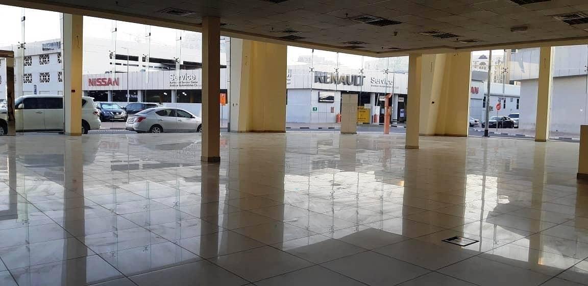 2 HUGE Showroom in Port Saeed Near DNATA Deira
