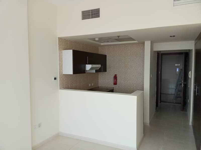 Studio With Balcony | Golf View | 20K 4 Chqs - Sports City