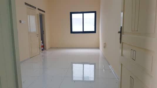 Studio for Rent in Bur Dubai, Dubai - LARGE Studio  Closed Kitchen Near Burjuman Metro