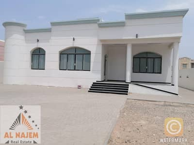 2 Bedroom Villa for Rent in Al Quoz, Dubai - Outstanding quality:3 b/r spacious immaculately presented indep villa + maids room