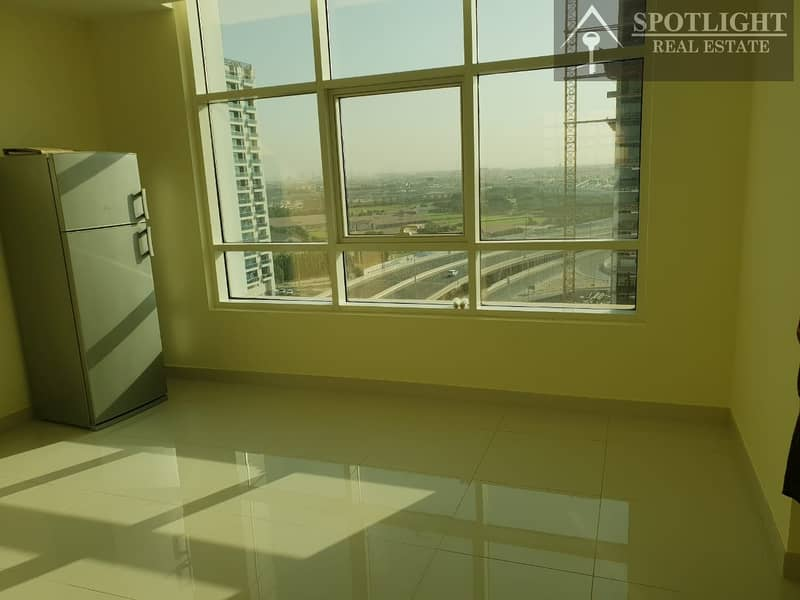 1 bedroom with kitchen appliances  for rent in Damac park central