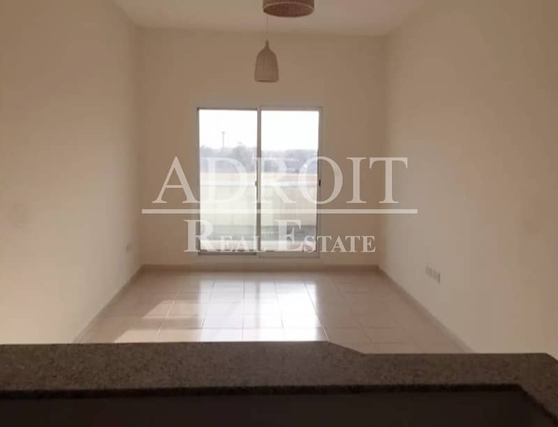 20 Beautiful Brand New Unit    Well Priced 1 BR Apt in Queue Point !