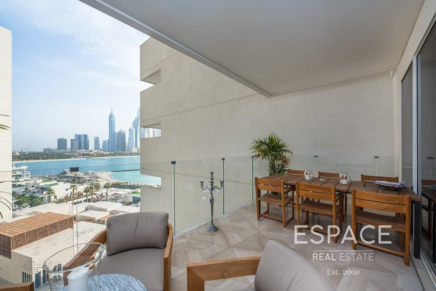 Largest 3 Bed - Full Sea View - Direct Access to Beach