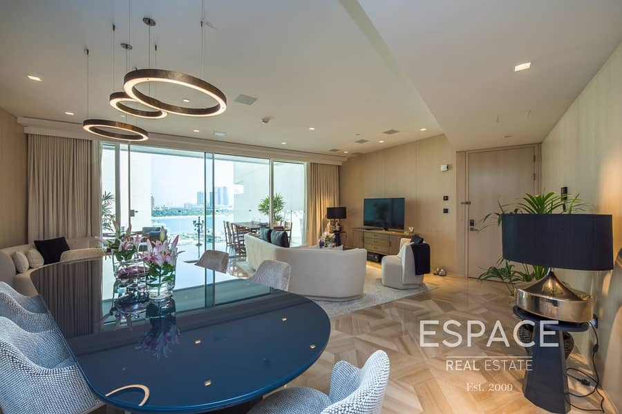 2 Largest 3 Bed - Full Sea View - Direct Access to Beach