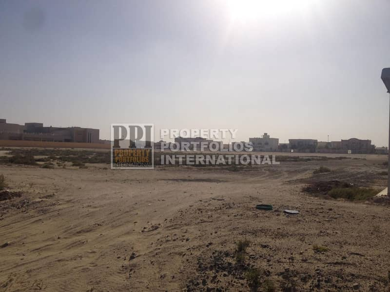 10 Large plot  for School and hospital use in key location for sale