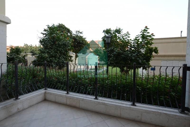 10 Ground Floor Close Kitchen Garden View Bright 2BR Apt.