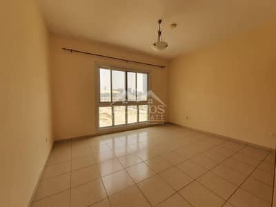2 Bedroom Flat for Rent in Jumeirah Village Circle (JVC), Dubai - Charming 2 B/R Apt. | Great Value