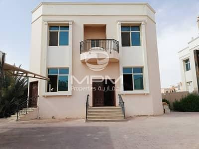 فیلا 5 غرف نوم للايجار في مدينة محمد بن زايد، أبوظبي - Spacious Five Bedrooms Villa with Maid's Room & Parking