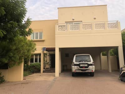 4 Bedroom Villa for Rent in The Meadows, Dubai - Spacious
