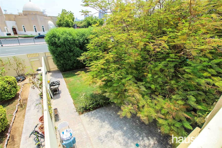 Investment opportunity | Type 2M | Road backing