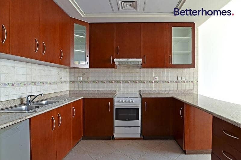 2 1 Month Free   Stunning 1 BR   Spacious Balcony