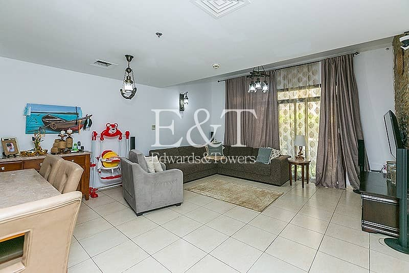 2 4BR  upgraded townhouse with private parking