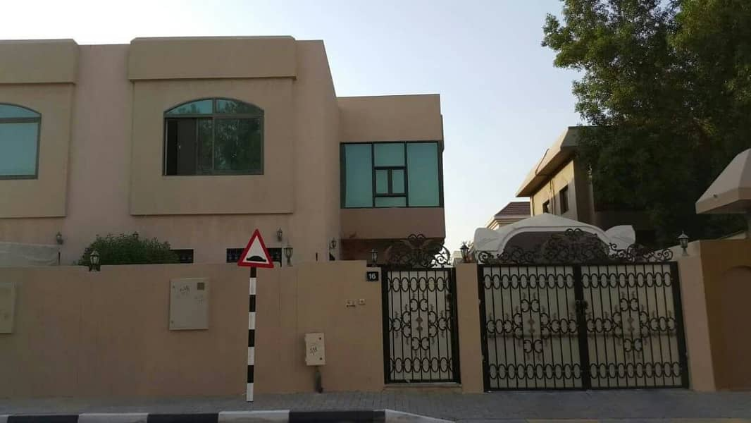 *** EXCELLENT DEAL– Luxury 4BHK Duplex Villa with lovely garden available in Al Sharqan area, Sharjah
