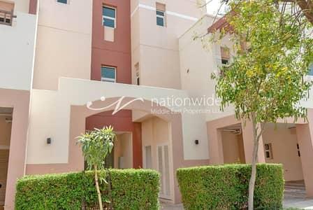 استوديو  للبيع في الغدیر، أبوظبي - Studio Apartment w/ Rental Back and Pool View