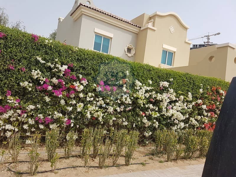 15 Oliva in VH - a  5 bed Villa at a very affordable price
