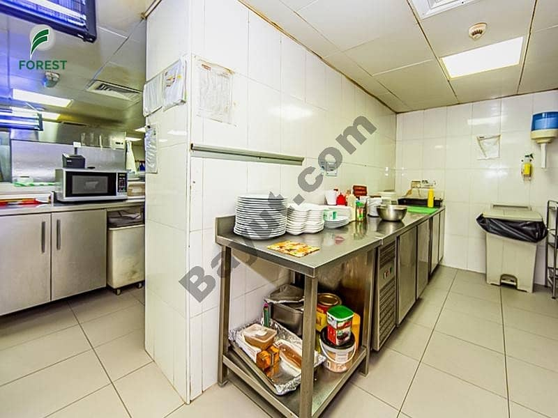 12 Fitted Space Shop Well Maintained Vacant