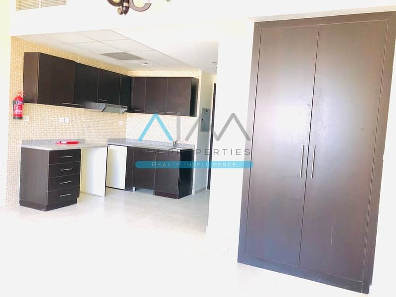 2 Pay 20k| Remarkable  Studio move-in | Chiller Free
