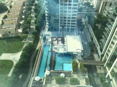 شقة 2 غرفة نوم للايجار في ذا فيوز، دبي - Beautiful 2 Bedroom with Golf view on higher floor  4 cheques