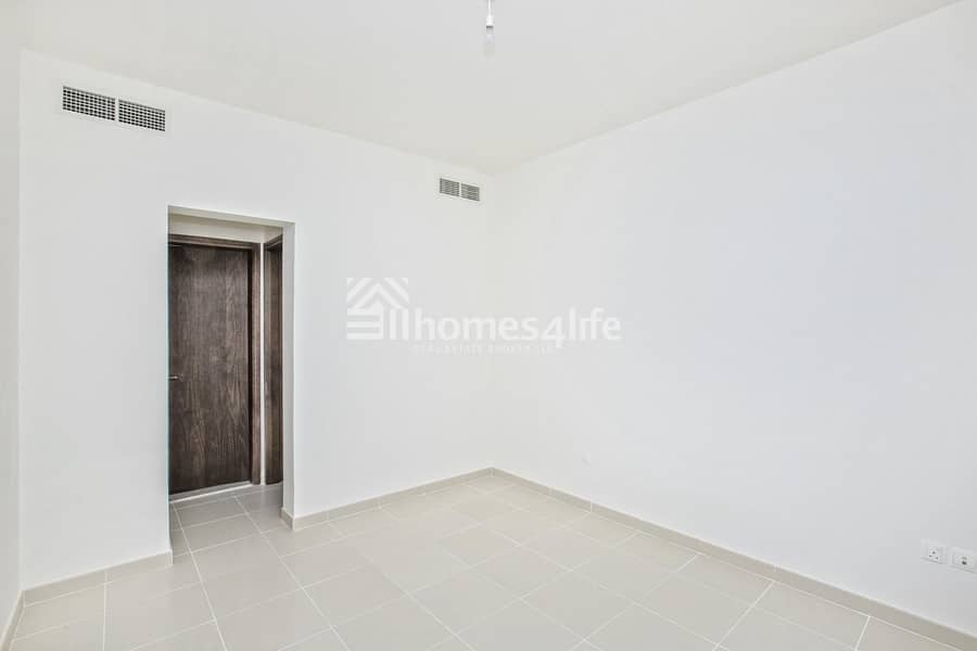 2 Spacious Layout   PRICE DROPPED   Vacant on Transfer   Type E