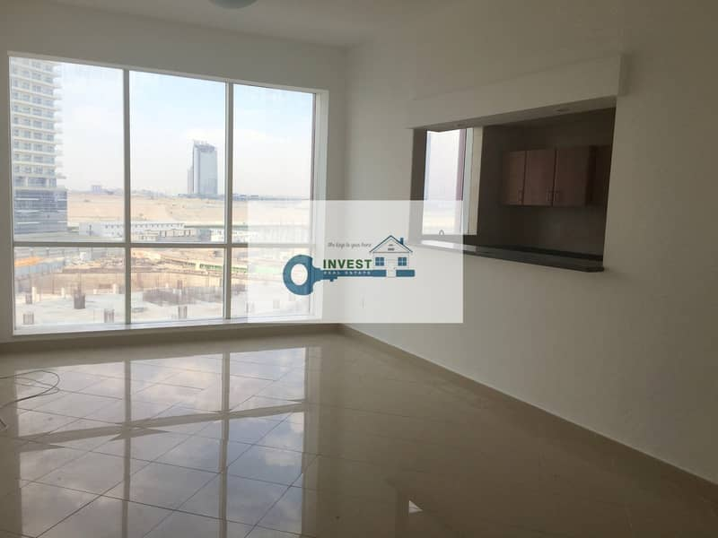 Vacant 920 sqf with close kitchen kids play area !BHK for Sale