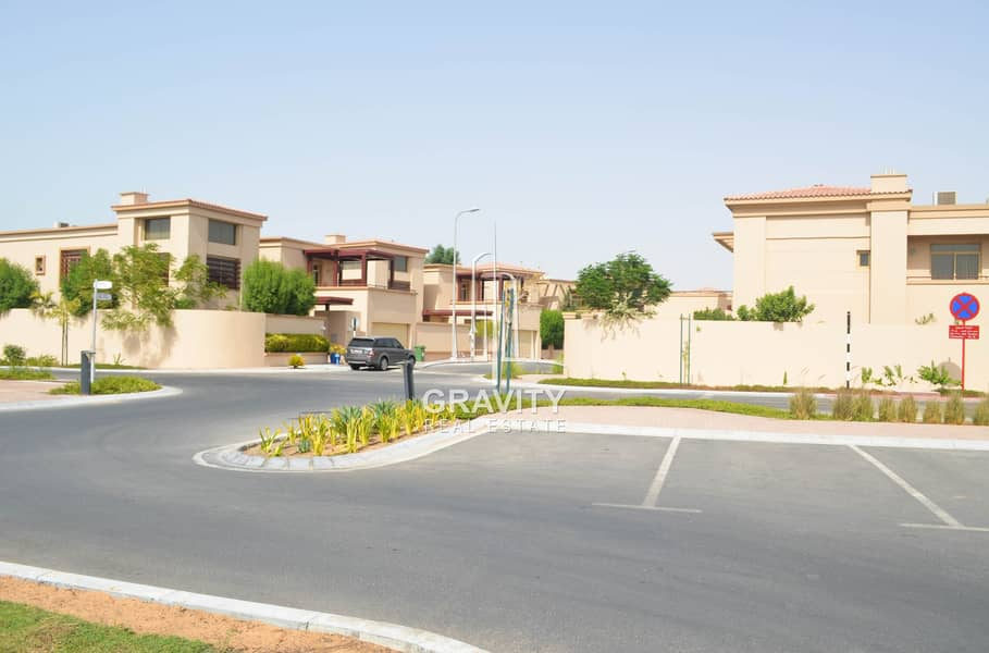 Great Investment | Extravagant 5BR Villa