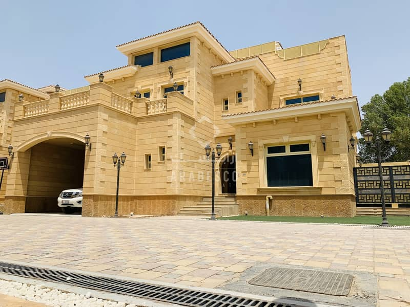 LUXURIOUS 5 BEDROOMS ATTACHED VILLA IN COMPOUND MBZ