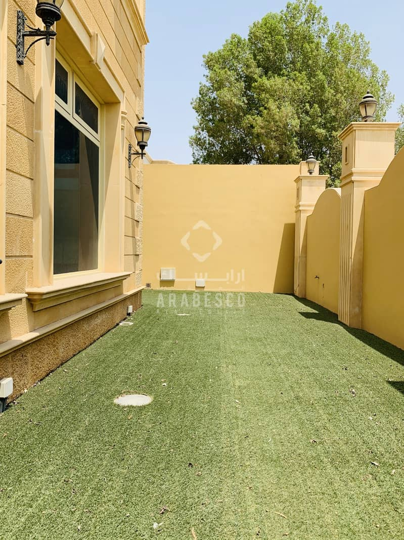 27 LUXURIOUS 5 BEDROOMS ATTACHED VILLA IN COMPOUND MBZ