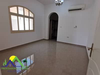 3 Bedroom Villa for Rent in Zakher, Al Ain - Lovely Villa With Private Yard