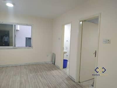 Big Studio available for Rent at Rolla Street Bur dubai.