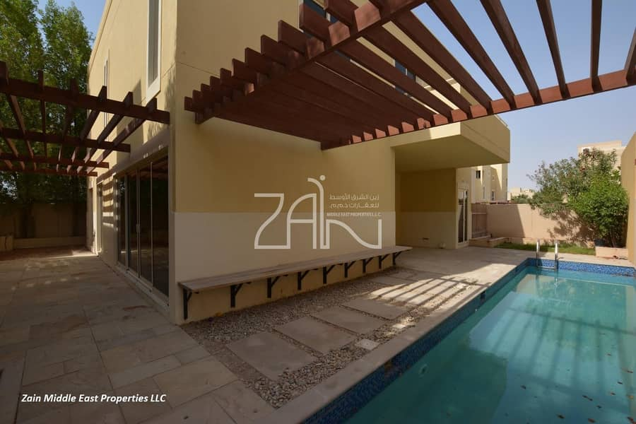 Vacant Superb 5 Bedroom with Pool in Great Location