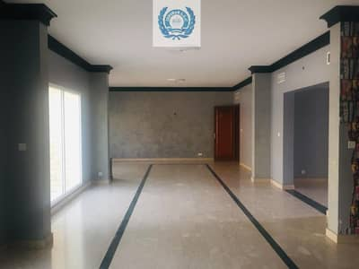 5 Bedroom Villa for Rent in Al Rifah, Sharjah - Full Sea View