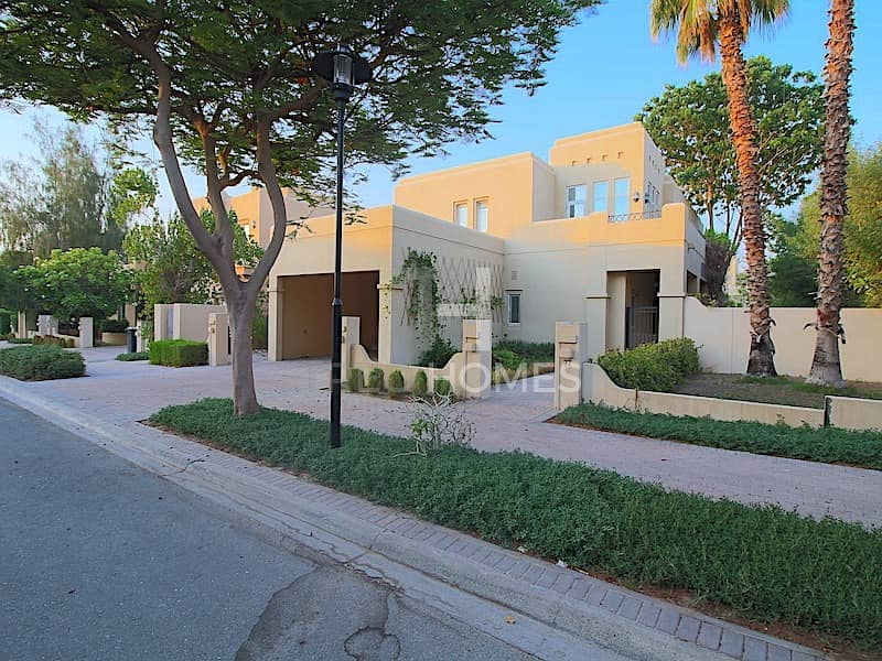 Family Villa | Offer Today | Close to Park