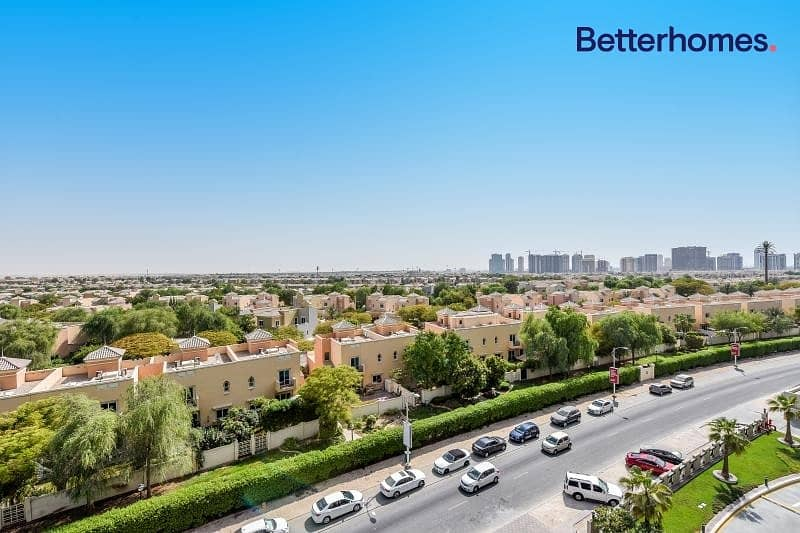 Unfurnished lMid Floor |Golf Course View | Rented