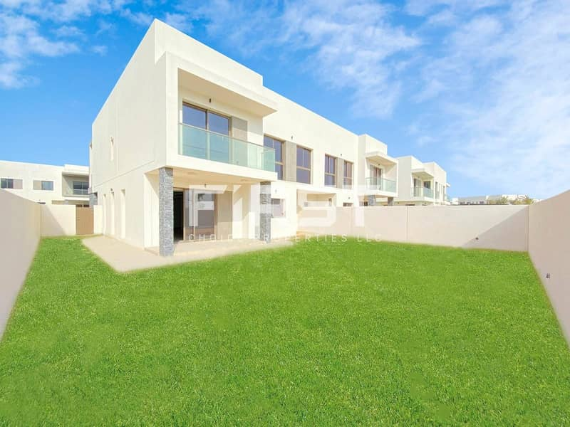 10 Great Site!Spacious Duplex with Maids Room