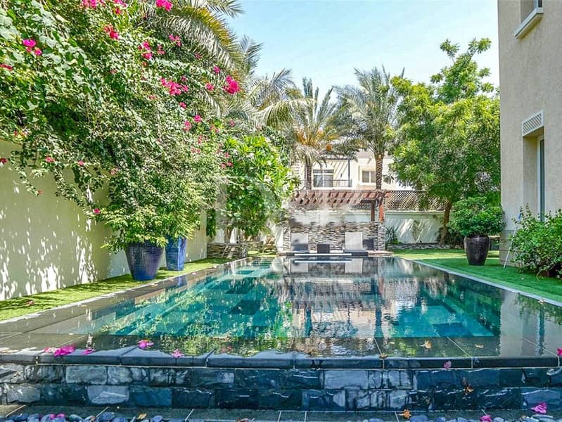 2 Huge Resale Villa | Privated Pool and Garden