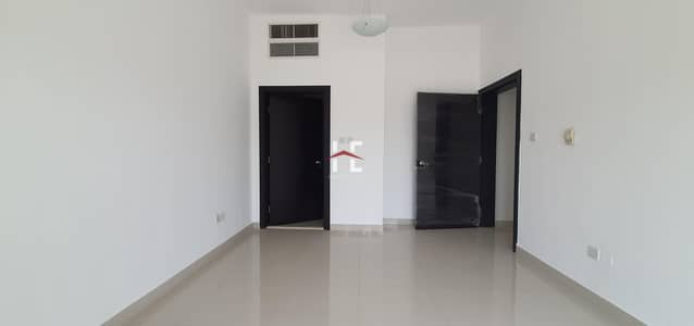 شقة 3 غرف نوم للايجار في المرور، أبوظبي - Stunning 3BHK   Built-in Kitchen Appliance   Security lock with Camera