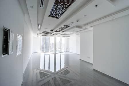 مکتب  للايجار في الخليج التجاري، دبي - Newly Fitted Office   High Floor   Parking