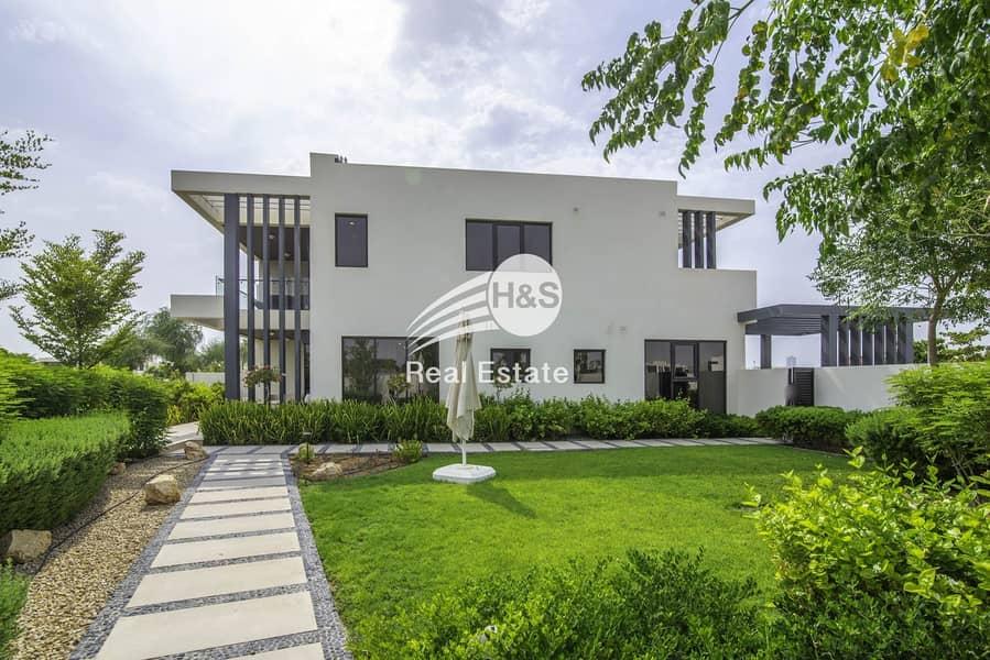 Beautiful Blue Lagoon Facing Villa for Sale