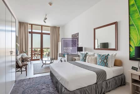 Studio for Rent in Palm Jumeirah, Dubai - Studio Seafront Living Redefined on the Palm Jumeirah