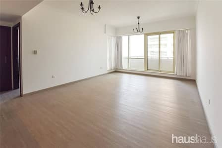 1 Bedroom Flat for Sale in Dubai Marina, Dubai - Vacant On Transfer | Upgraded Flooring | Balcony