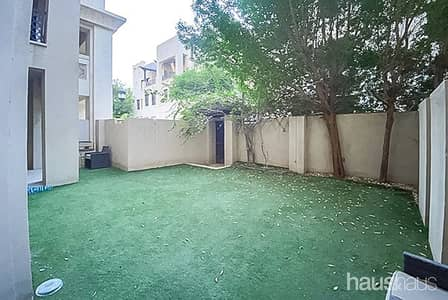 2 Bedroom Apartment for Rent in Old Town, Dubai - Exclusive | Garden unit | Available Now