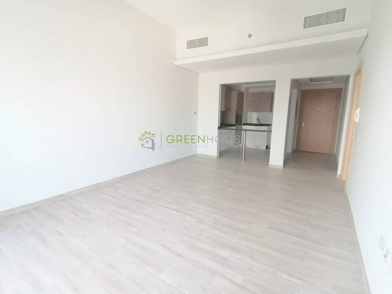 High Quality Brand New Spacious 1 Bedroom Apartment