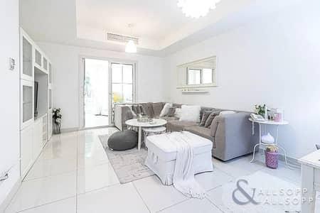 فیلا 2 غرفة نوم للبيع في الينابيع، دبي - Exclusive   Upgraded 2 Beds   Pool View