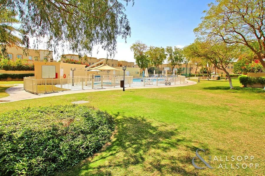 10 Exclusive   Upgraded 2 Beds   Pool View