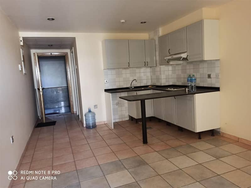 2 Well-maintained Studio For Lease Near Lamcy Plaza