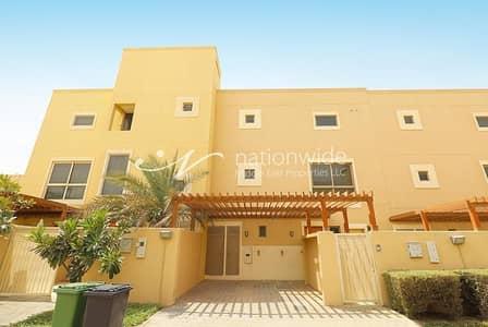 3 Bedroom Townhouse for Rent in Al Raha Gardens, Abu Dhabi - Enthralling 3 BR Type A Townhouse In Hemeim Al Raha Gardens