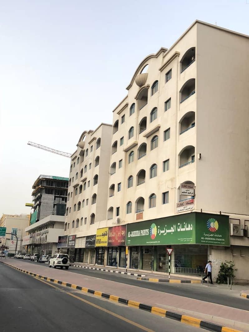 شقة في شارع الوحدة 2 غرف 24000 درهم - 4746457