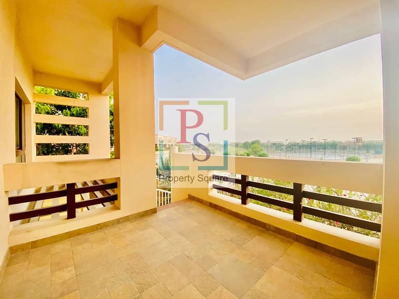 2 Live in the Luxurious 5BR Villa with Maidroom+Driver room + Private Pool