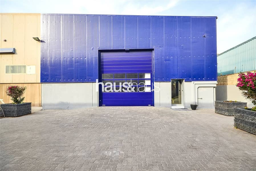 Fitted Warehouse Unit | Parking | A/C | Offices