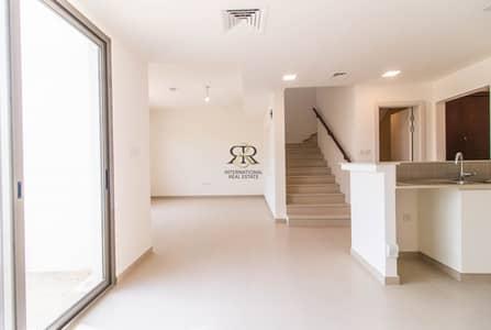 فیلا 3 غرف نوم للايجار في تاون سكوير، دبي - Spacious 3 Bedrooms Brand New and Well Maintained Villa